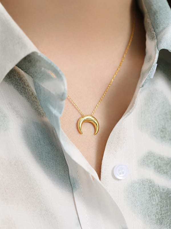 925 Sterling Silver Smooth Moon Minimalist Necklace